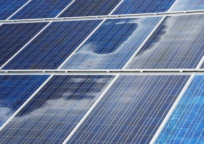 Government Feed-In Tariff Scheme vs Free Solar Panels